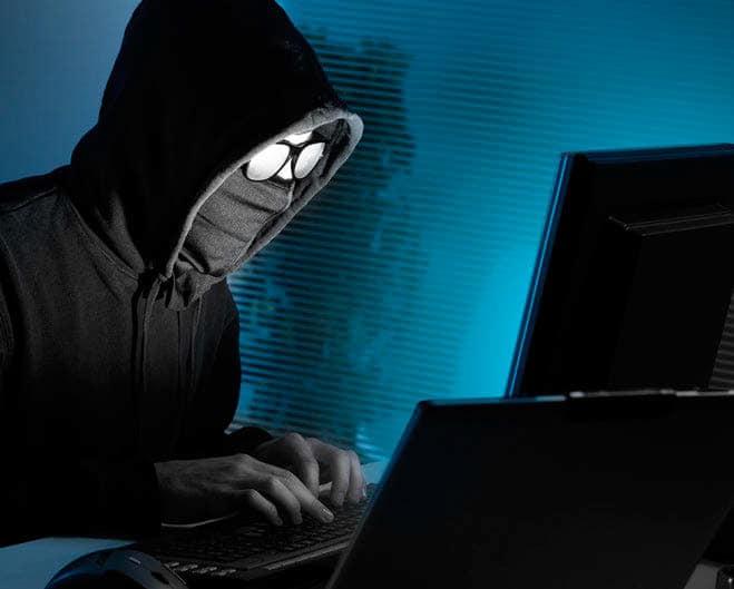 La Comisión Europea quiere que las redes sociales colaboren con expertos para detectar contenido ilegal